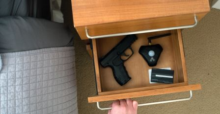 can i keep my gun inside the drawer?